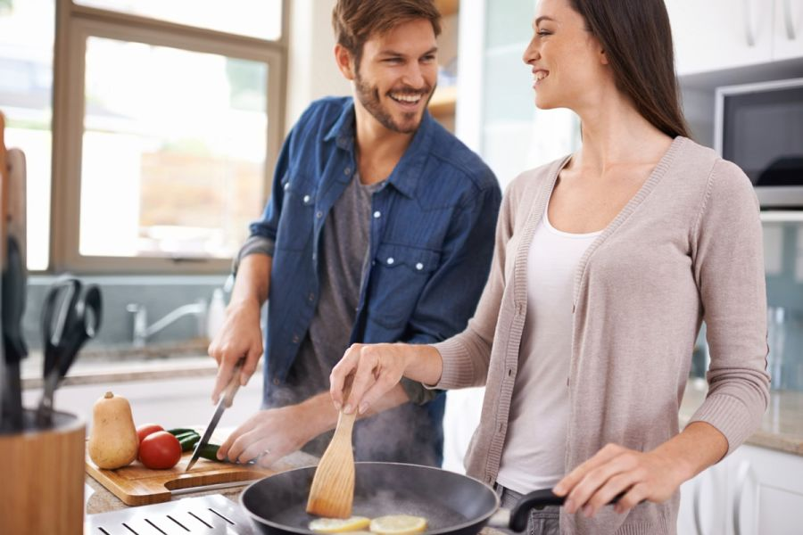 Dating couple with shared cooking interests